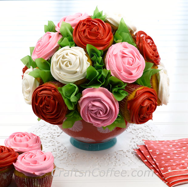 DIY Cupcake Bouquet for Valentine's Day or any occasion. CraftsnCoffee.com.